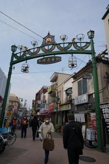 東武東上線下赤塚駅前の商店街
