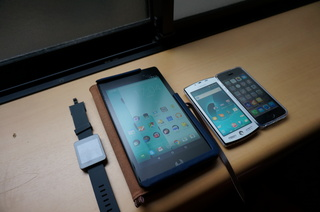 SH-12CとNexus 7、iPhone 5S、LG G Watch