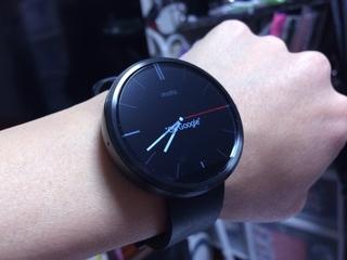 Android Wear Moto360 Smart Watch装着!