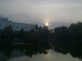 板橋区の見次公園と日没