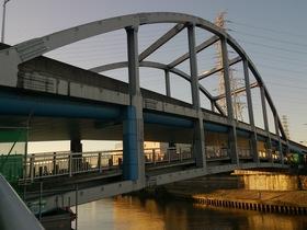 板橋区、新河岸川にかかる舟渡大橋