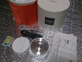購入したSONYのデジタルスチルカメラ、DSC-QX10
