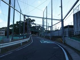 鶴見台中学校の傍