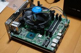 Intel Core i5 6500とベアボーンPC Desk Mini 110/B/BBを取り付けた