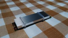 M.2 SSDにヒートシンクを装着