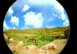 2008年の中国旅行、烏魯木斉にてLomographyのfisheye2で撮影